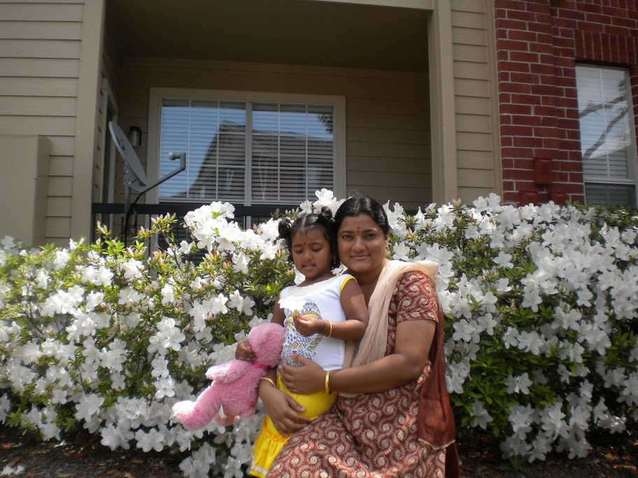 Nivedhana and her mom Geetha